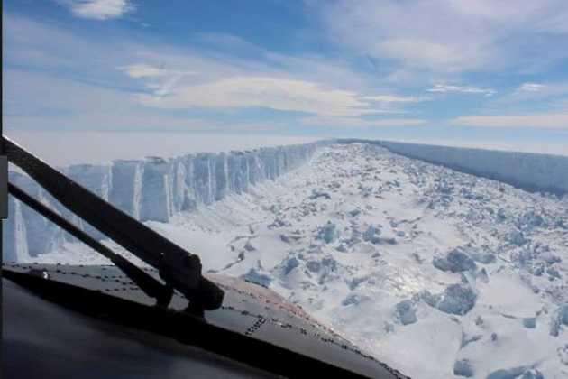 trillion-ton Antarctic iceberg