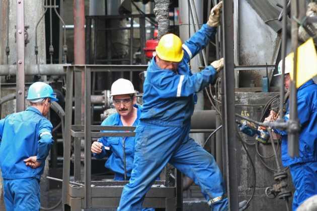 Romaina workers
