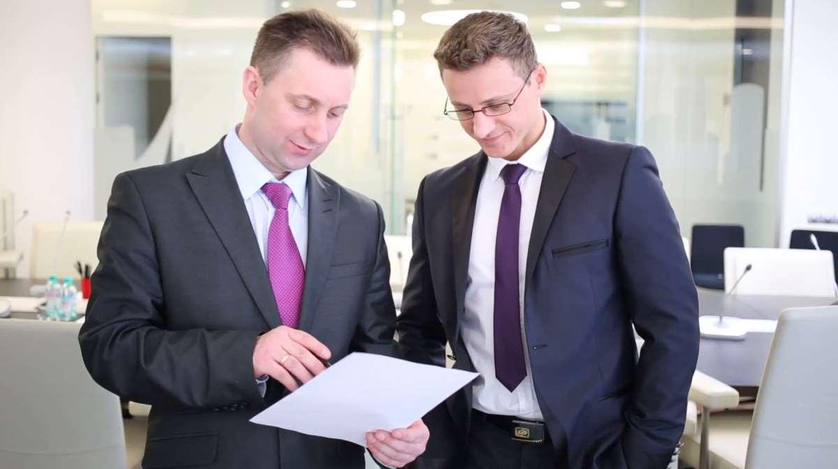 CEO-CFO social interaction
