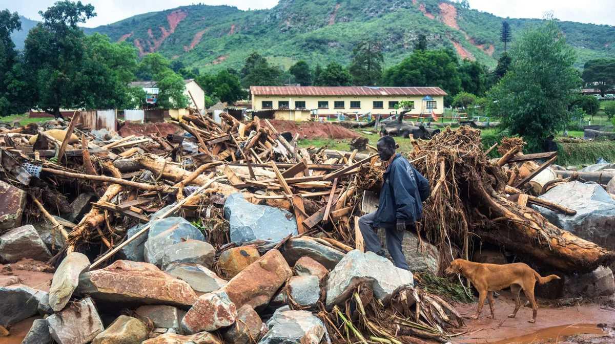 Cyclone Idai destruction