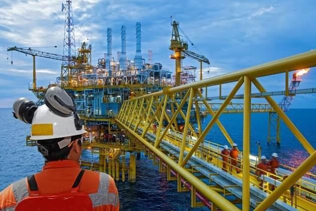 drillers add oil rigs