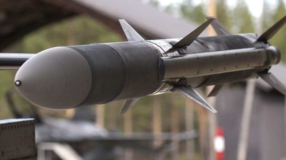 AIM-120 C-7