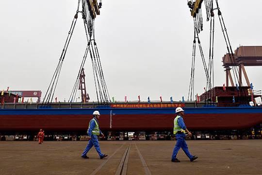 Fully electric cargo ship