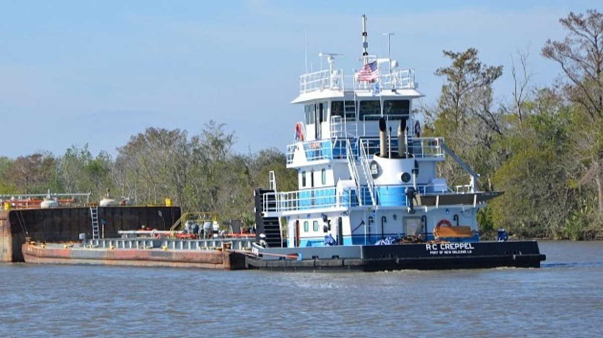 Vessel collision on Mississippi
