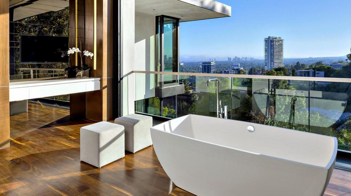 Inside outside bath