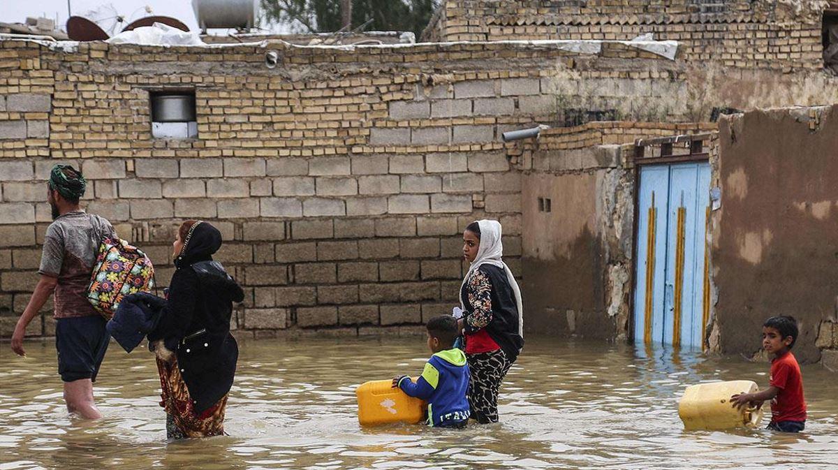 Iran flood people
