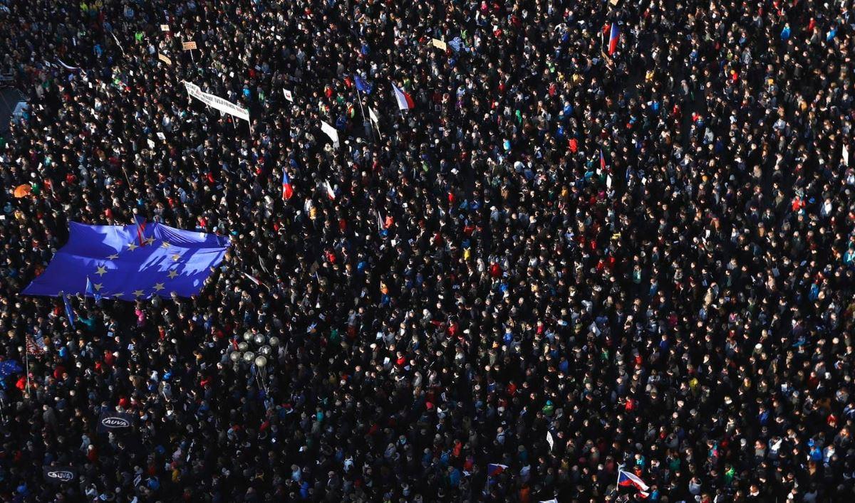 Thousands of Czechs