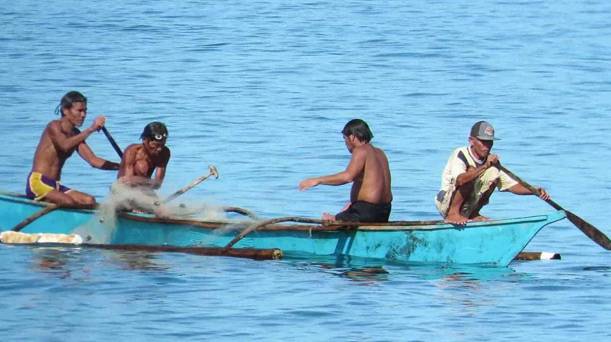 Philippines fishermen