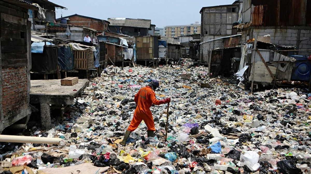 Indonesia waste