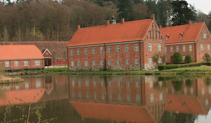 Tirsbæk Slot