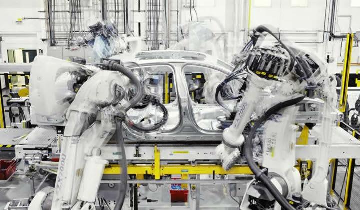 Castle Bromwich Factory Tour - production line robots creating an new Jaguar XJ