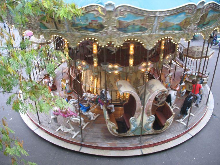 carousel, Montmartre, Paris