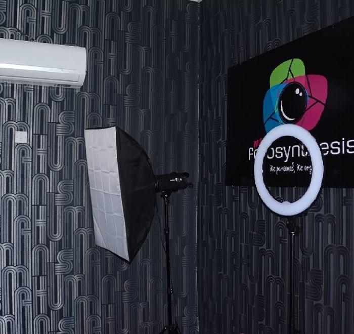 Our Photo Studio - MyFotosynthesis Premium Photo Studio -