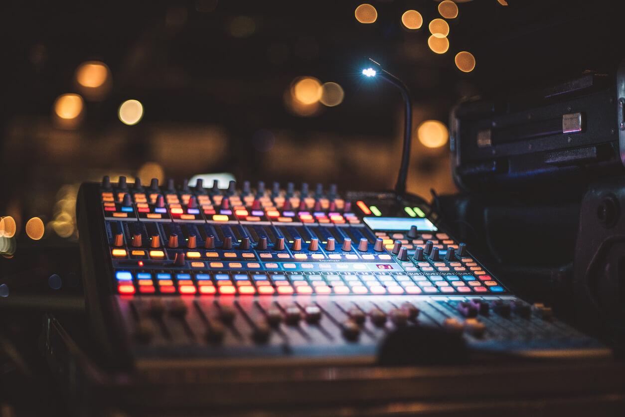 Audio mixer rental chennai