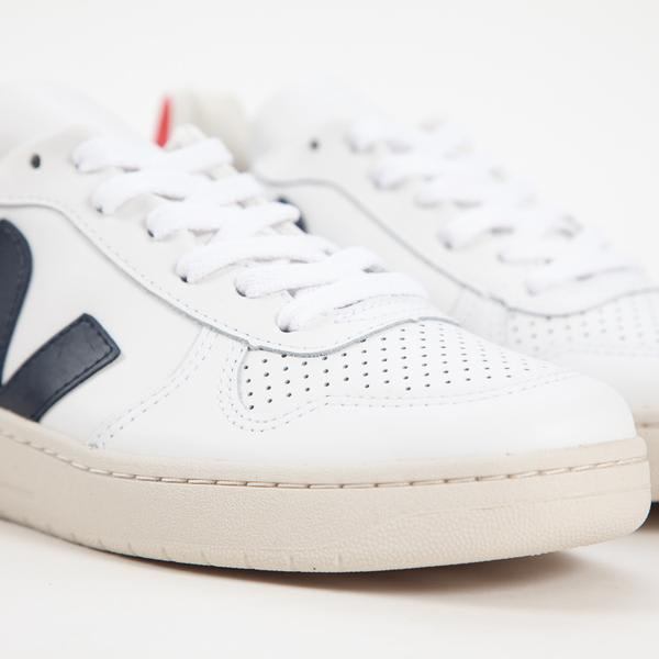 Veja Extra White V 10 Leather Nautico Perkin Trainers