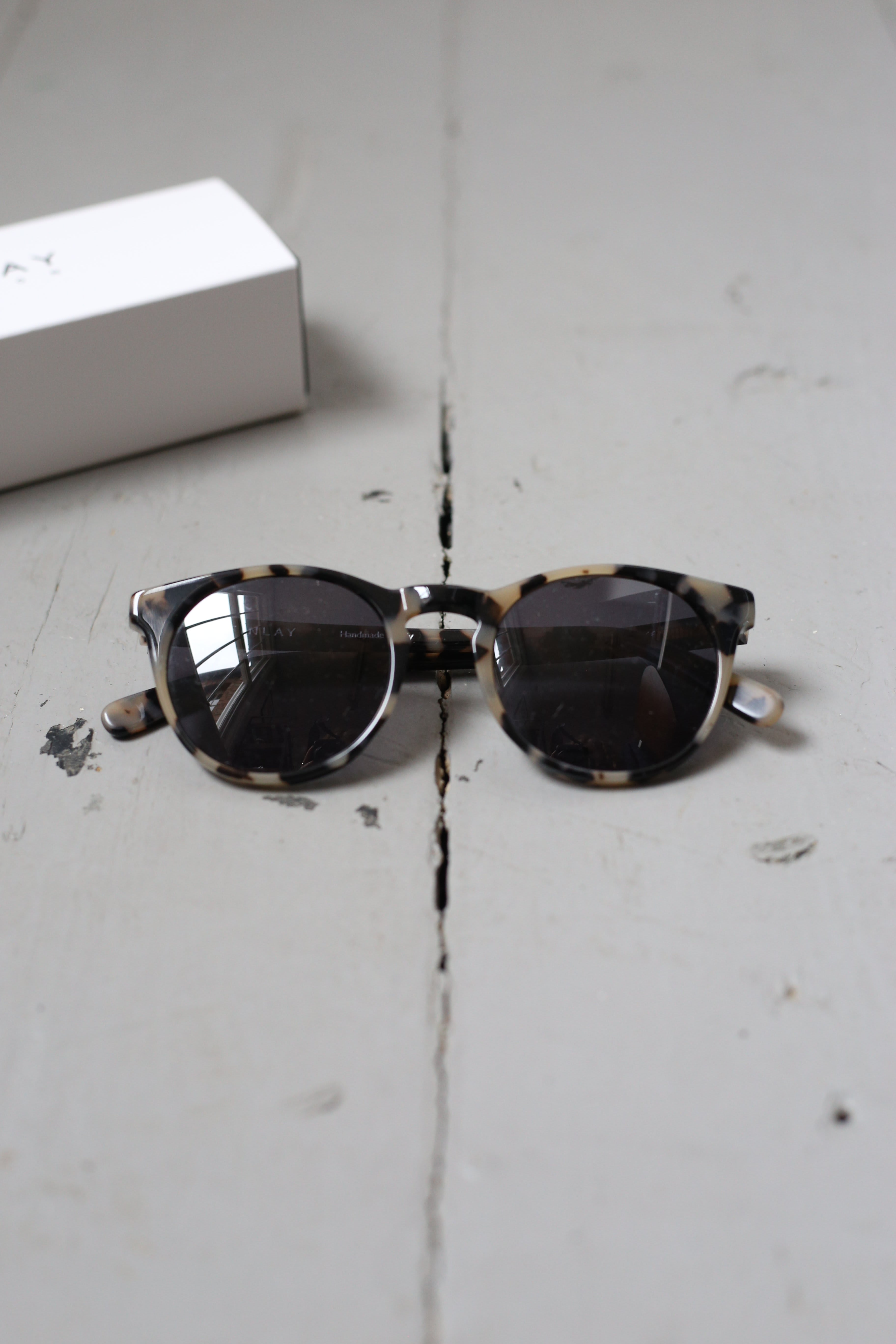 Finlay London Percy Stone Tortoise With Grey Lenses