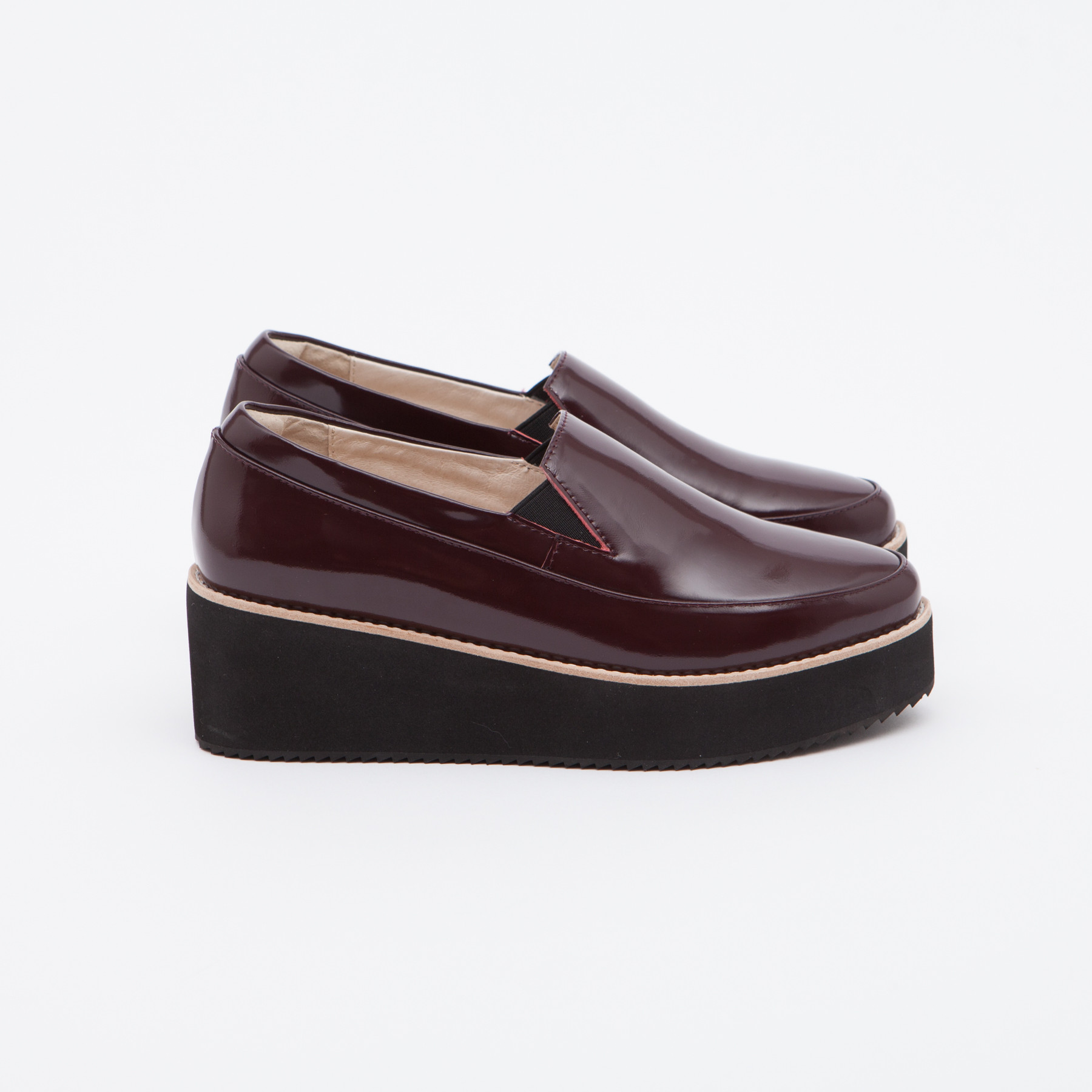 trouva sol sana wine tabbie wedge shoes