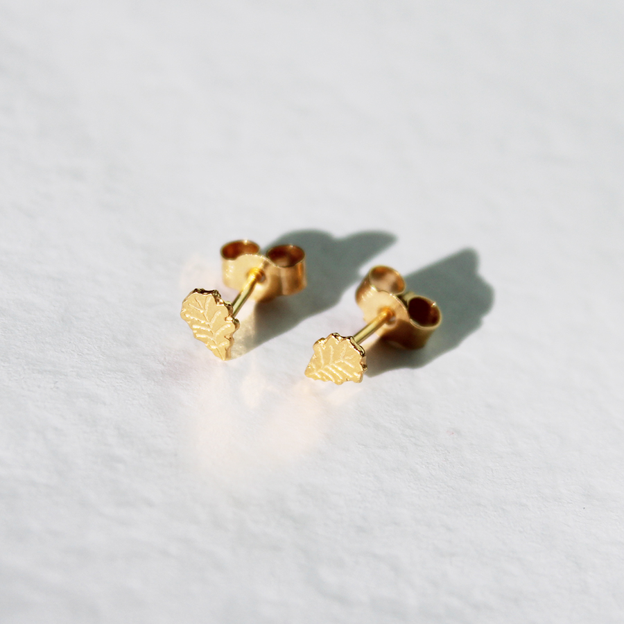 Oak Leaf stud earrings in Gold