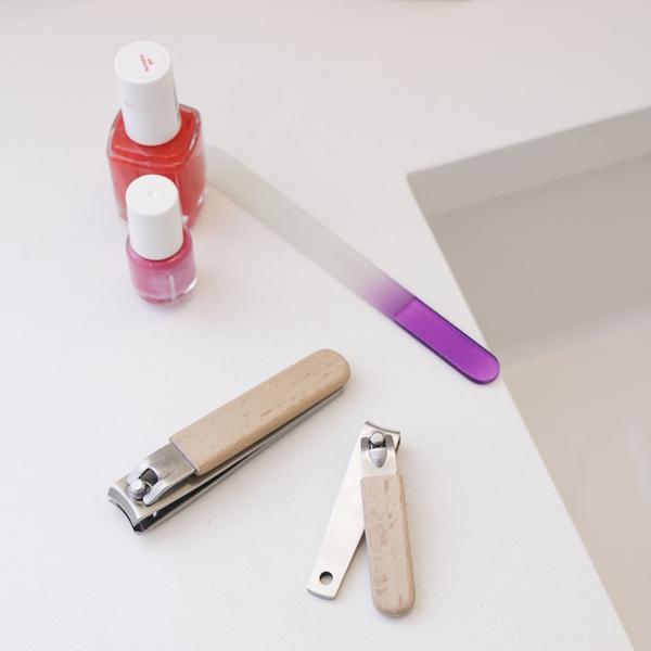 Kikkerland Design Wood Nail Clipper Set