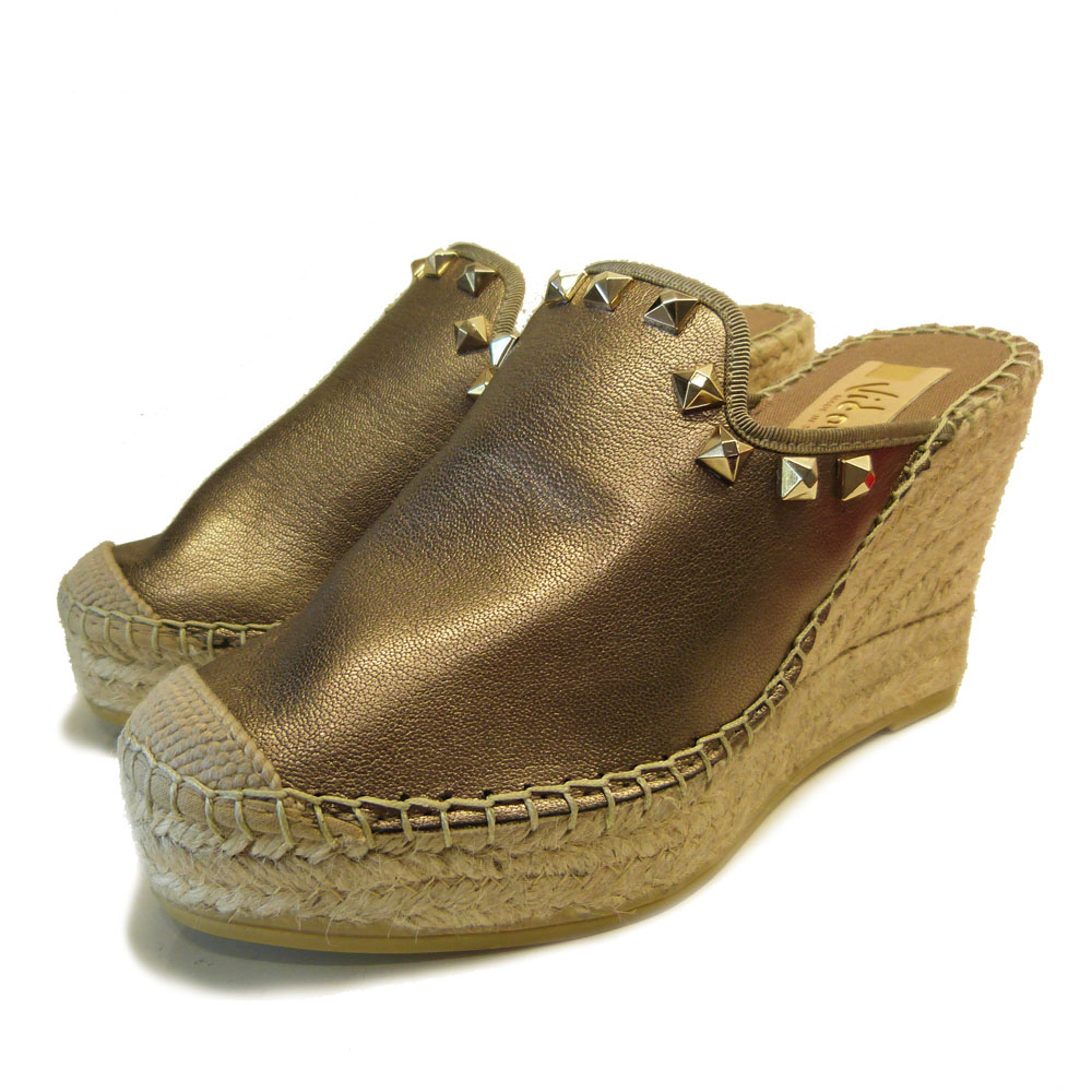 13333cf69215 Trouva  Bronze Leather Wedge with Gold Stud Detailing