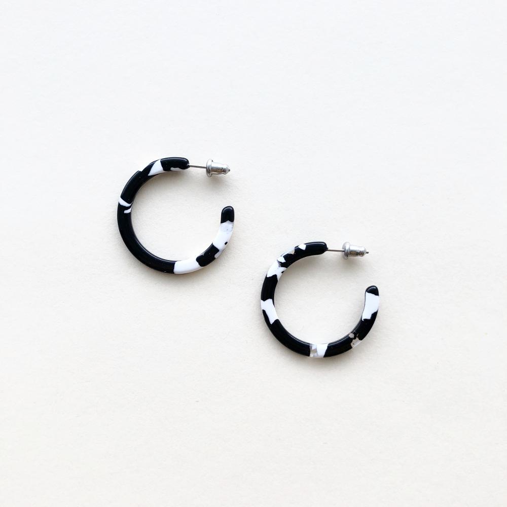 Machete Noir Tortoise Mini Hoops Earrings