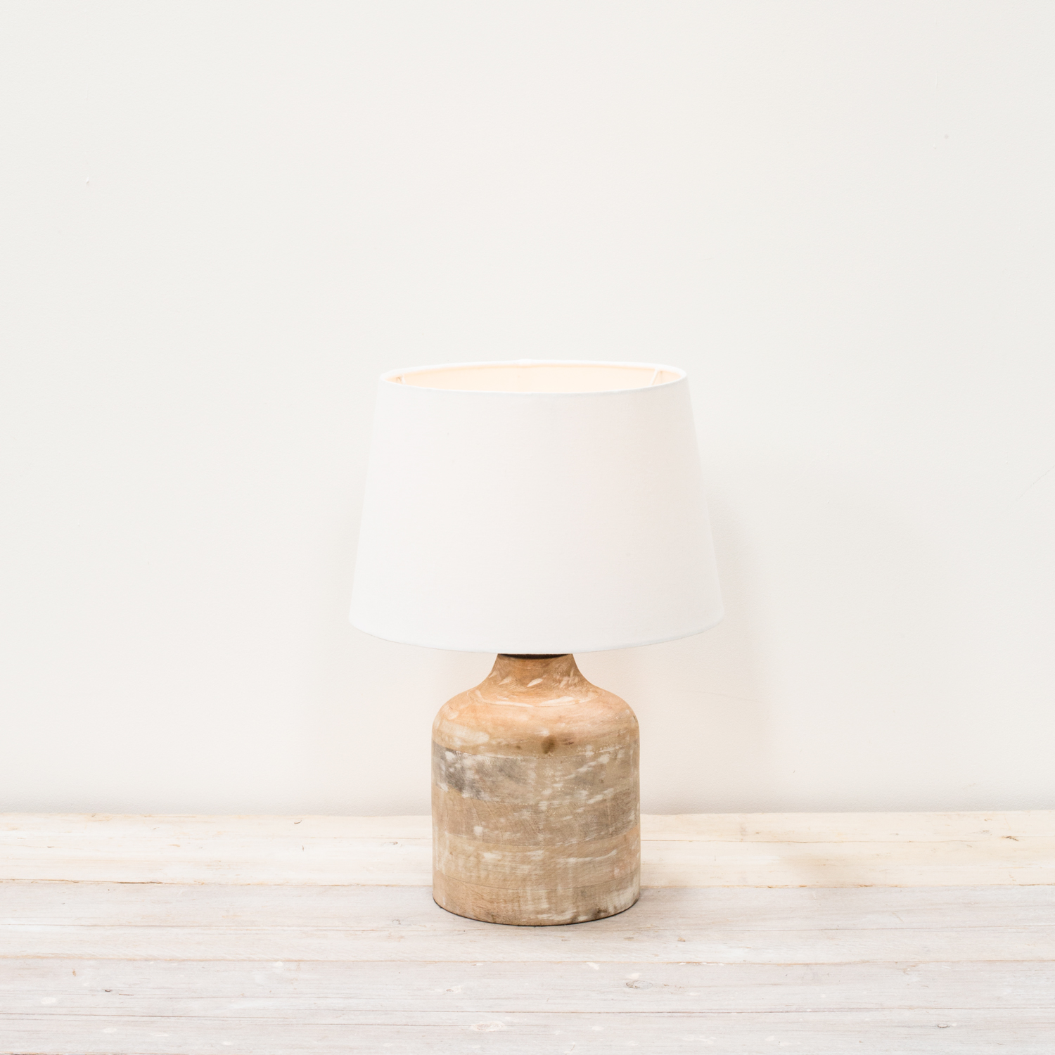 Also Home Vara Small Lamp With White Shade