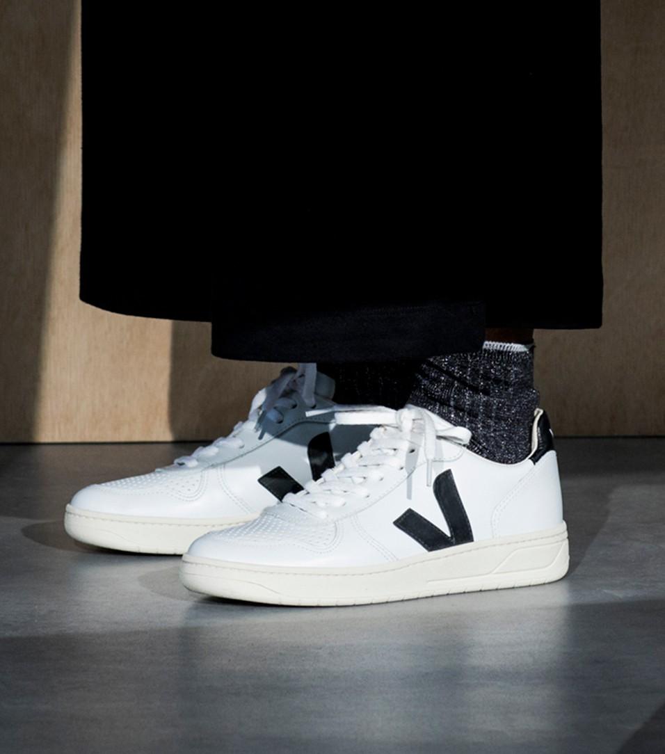 Trouva: Extra White Black V-10 Sneaker