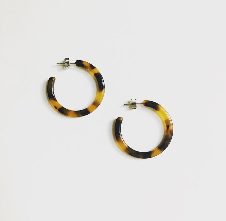 Machete Mini Tortoise Hoops Earrings