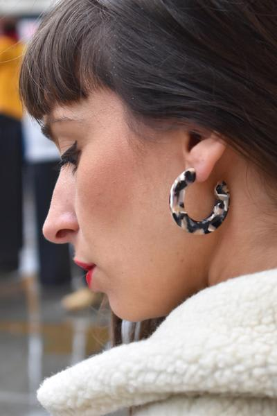 Machete Kate Abalone Hoops