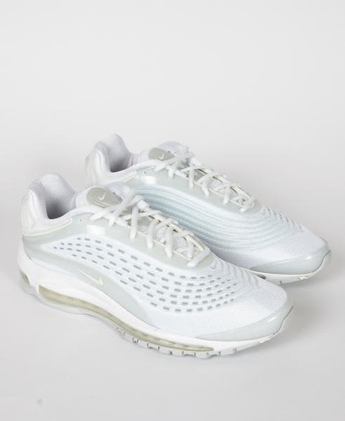 Nike White Air Max Deluxe Triple Trainers