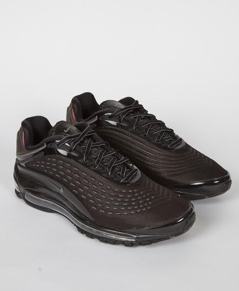 Nike Black Air Max Deluxe Triple Shoe