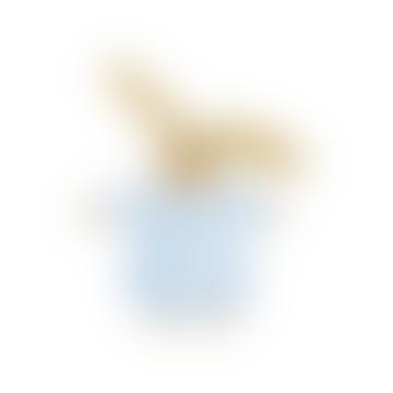 Lapin moelleux bleu doux avec hochet