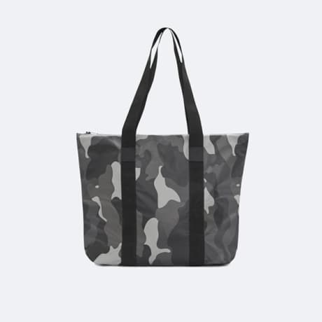 Trouva  Rains Tote Bag Rush Night Camo d15e9eb28a817