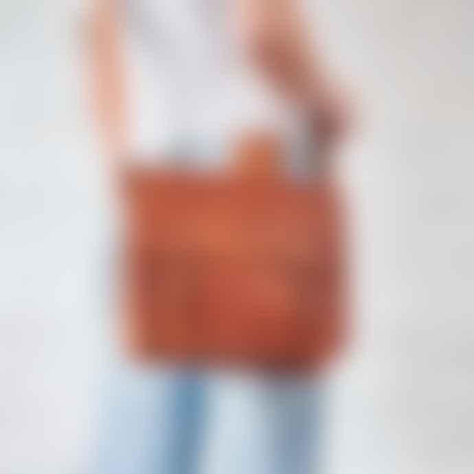Vida Vida Midi Leather Day Bag