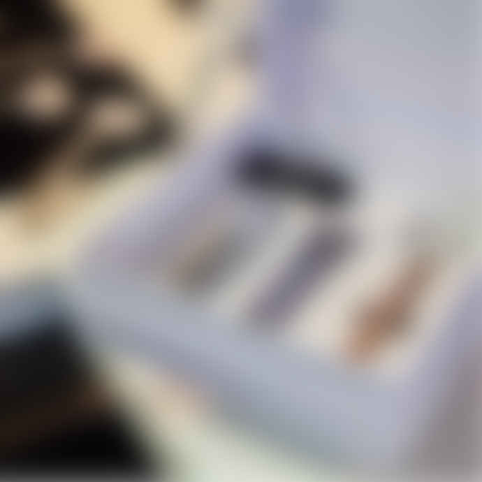 Gladderr Zirconia Razor Handle In An Exclusive Gift Box With White Body Shave Razor Cartridge
