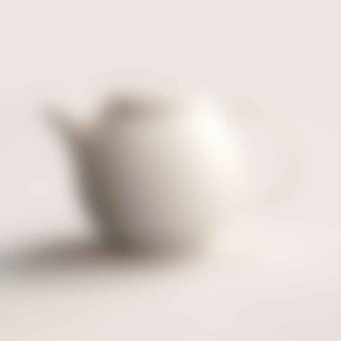 Kinto Small Porcelain Pebble Teapot White