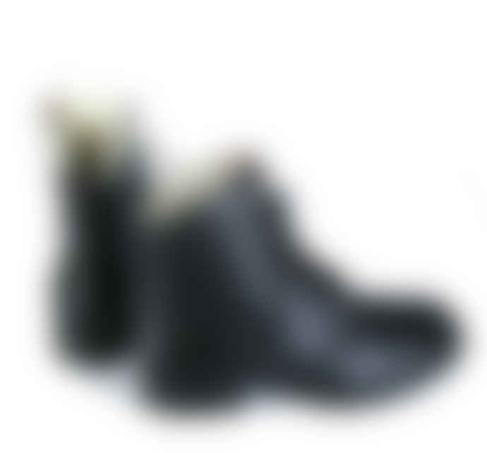 Tenpoints laced boots, lined in real wool, black