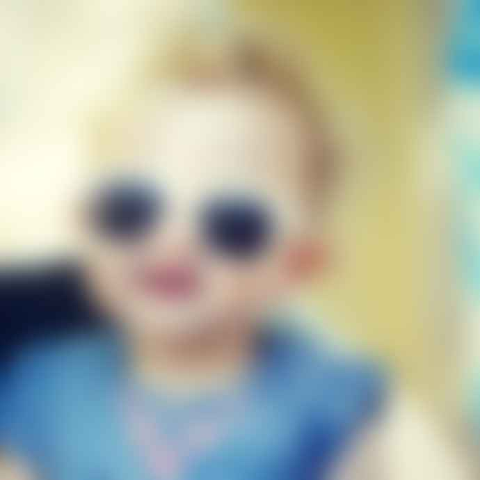 Roshambo Baby Junior White Sunnies (2-5+ years)