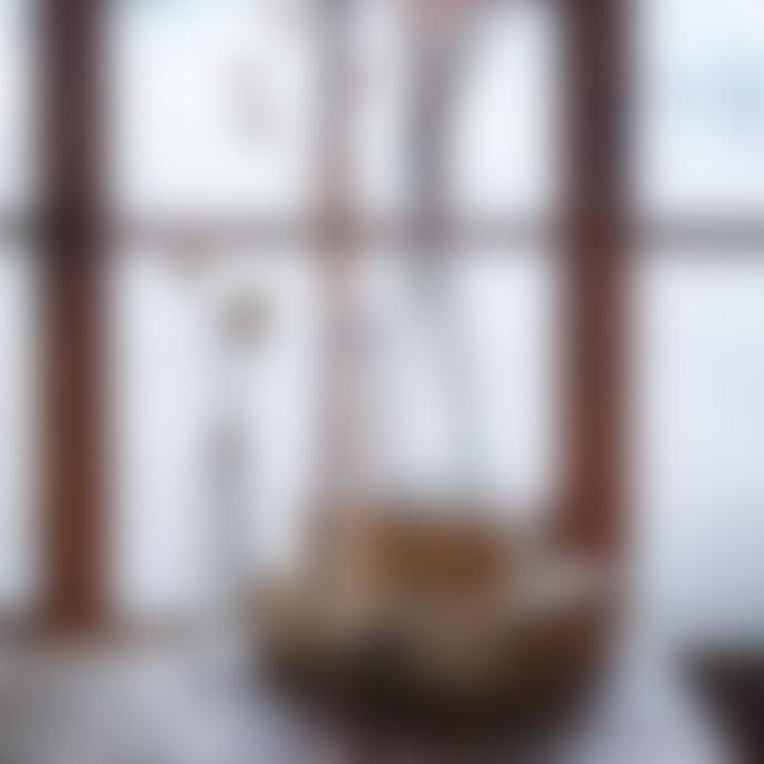 Pura Cal Small Black Iron Solitary Vase