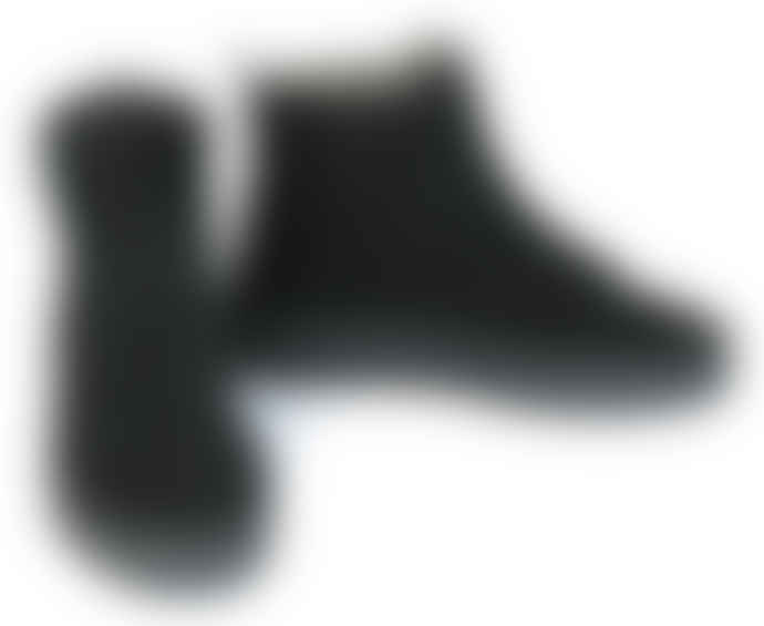 Tenpoints black laced suede shoes, lined in real wool