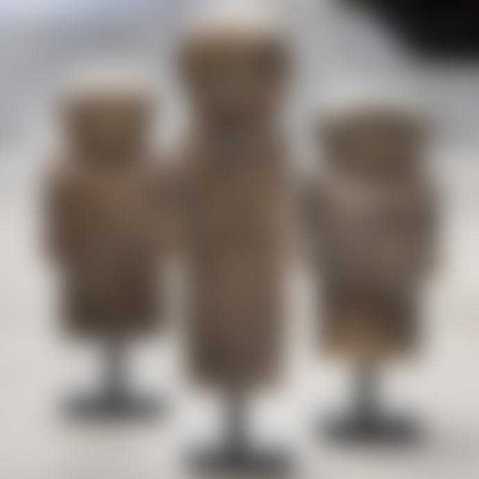 Magazijn Breit Wide Stone Man Figure on Stand