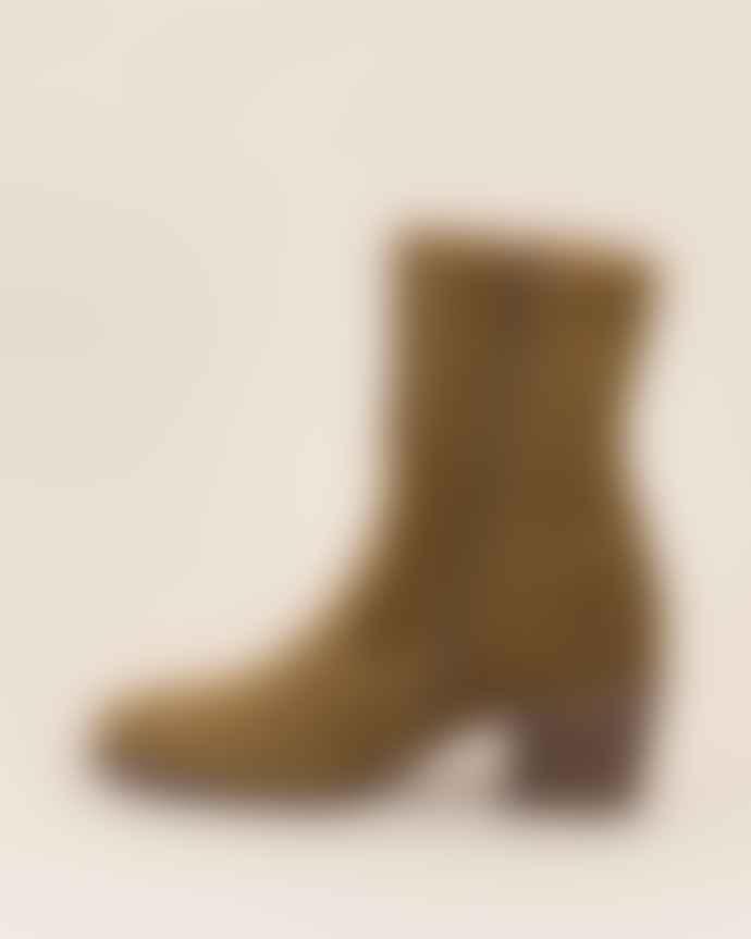 Sessun Ludd Boot - Tobacco Suede