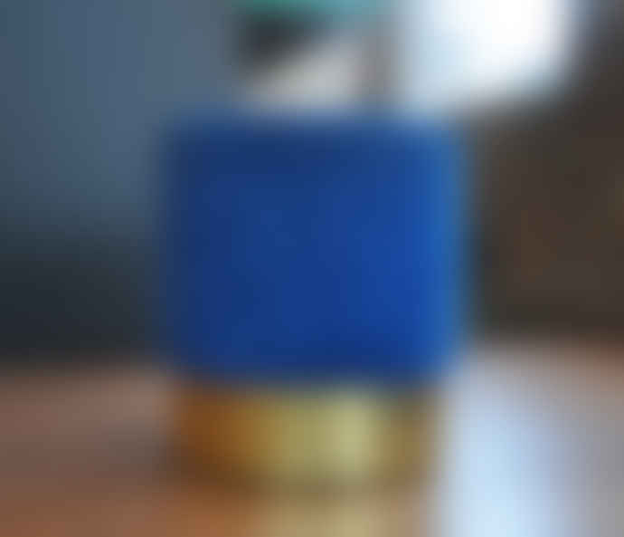 Mad Atelier Velvet Blue Cilinder Pouf