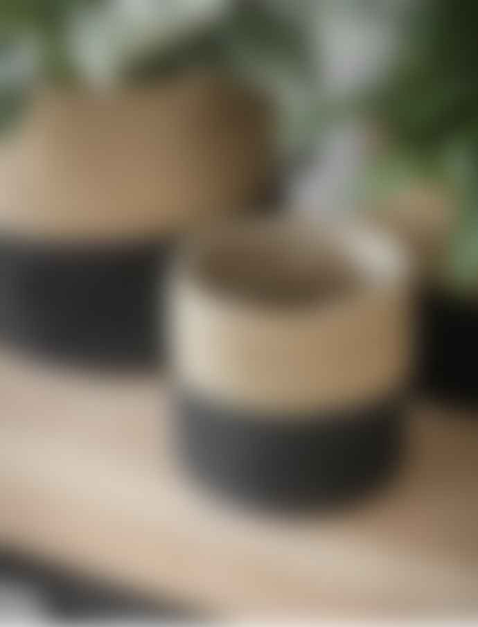 Garden Trading Large Black and Natural Jute Plant Pots