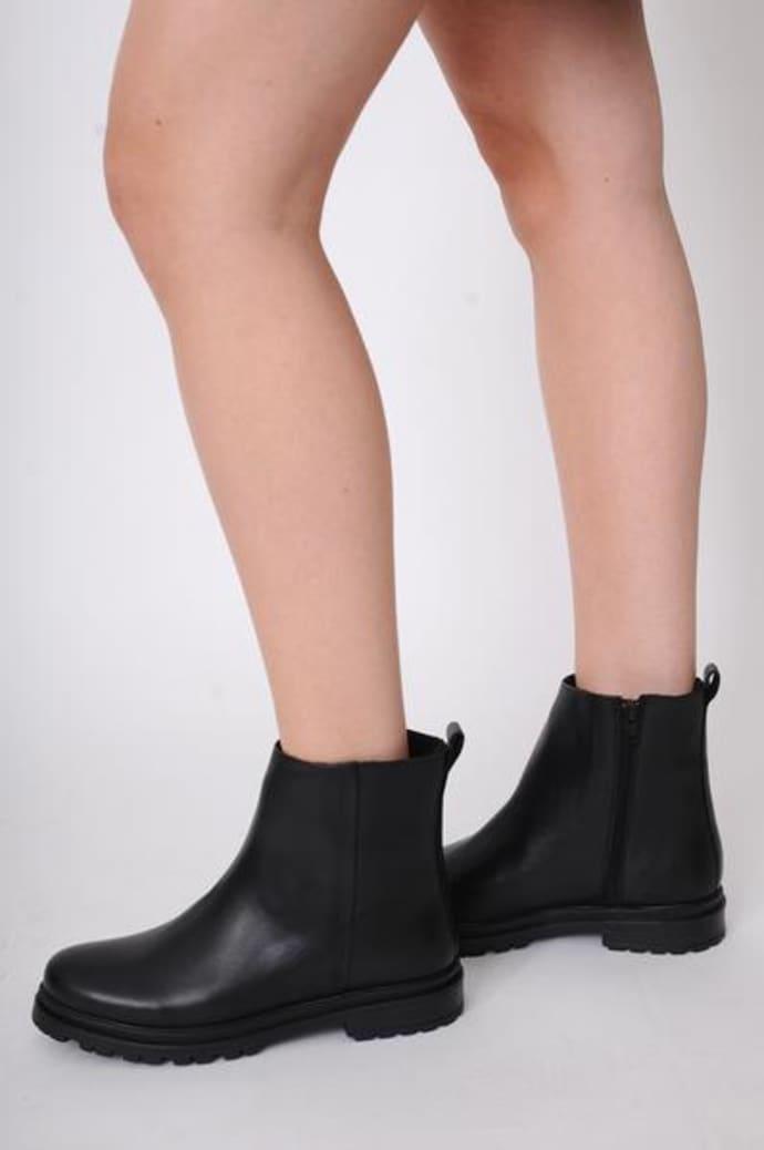 f11e823f0543fc Trouva  Black Akira Wool Boot