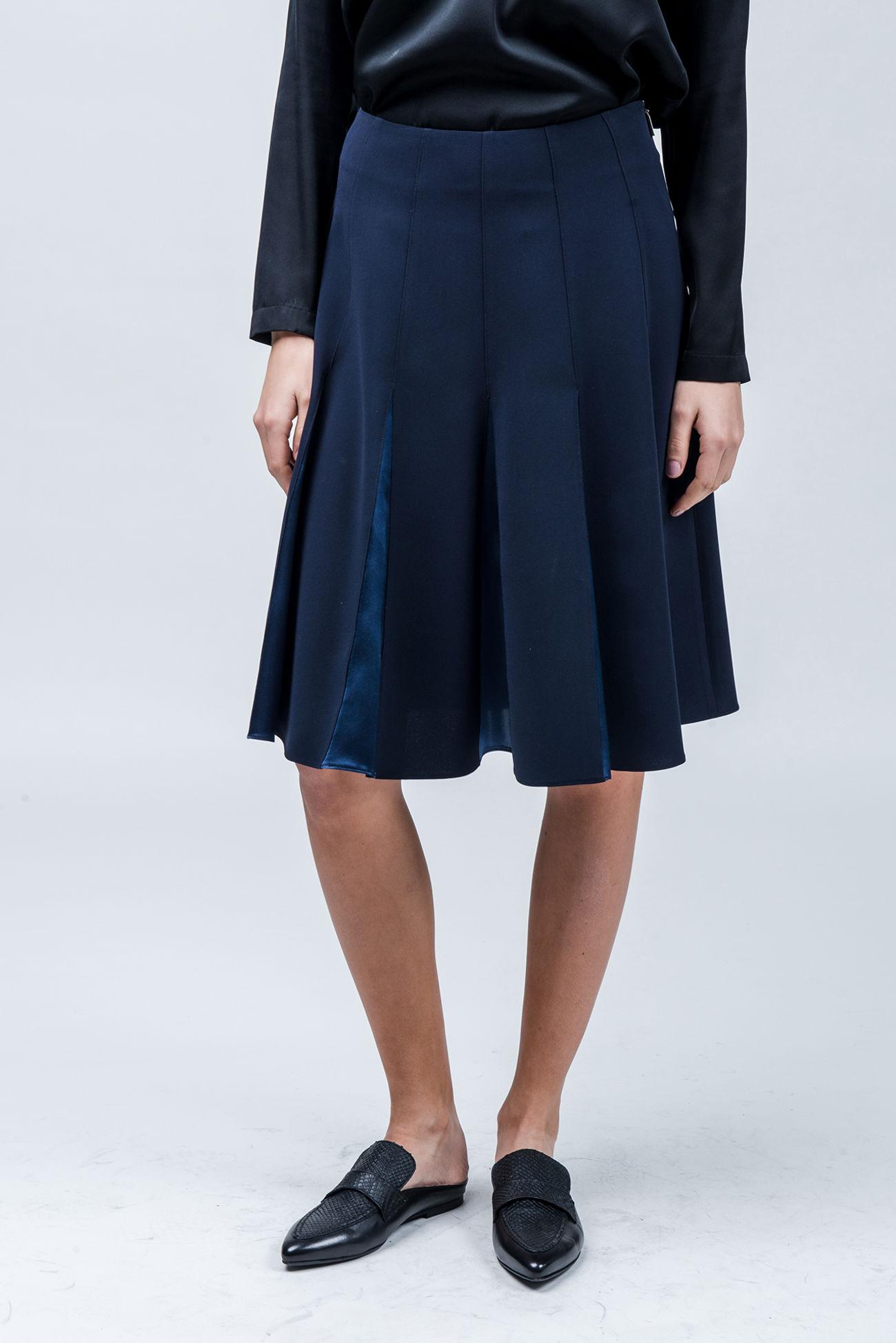 Skirt in travel-crêpe