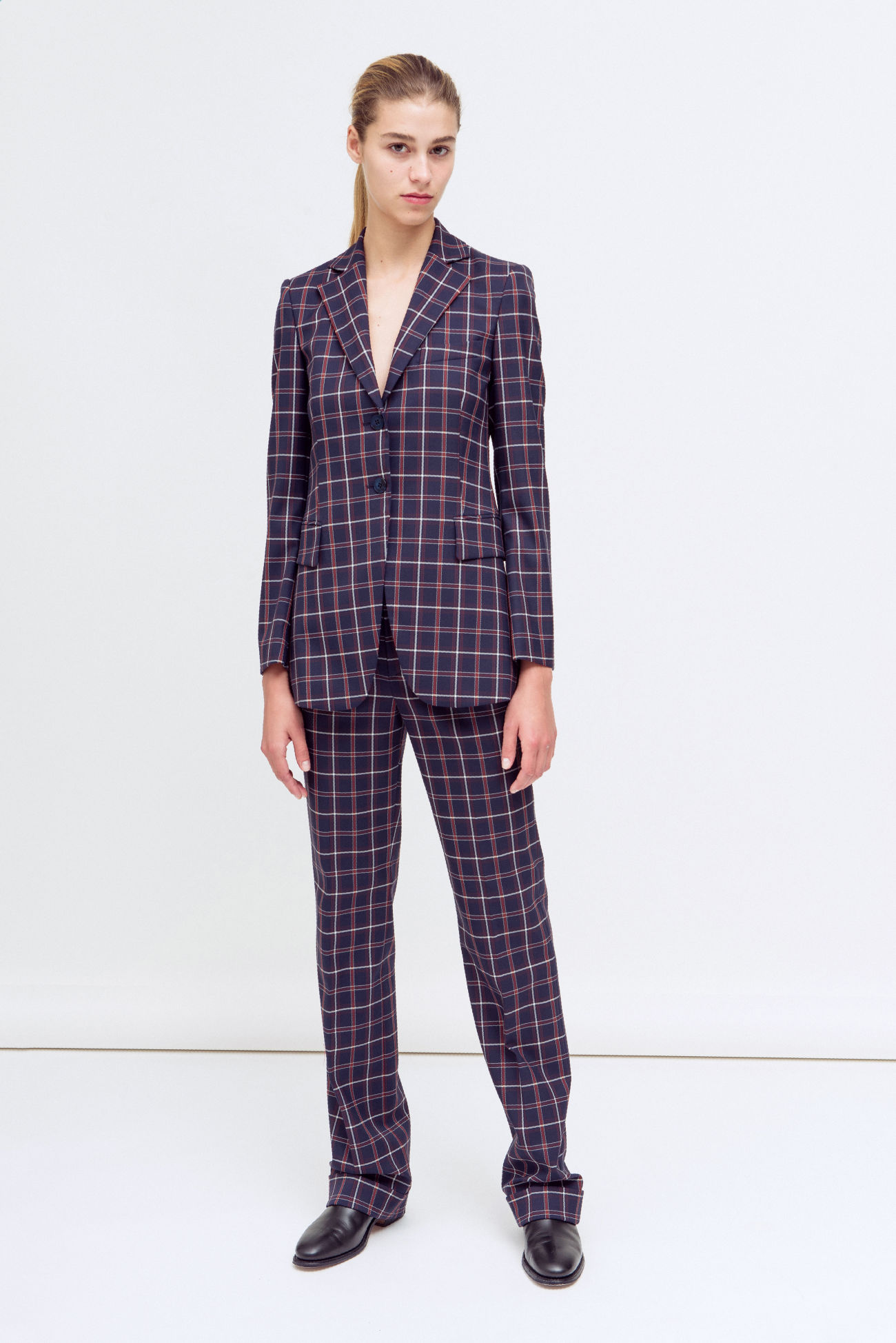 Pleated trousers with checked pattern