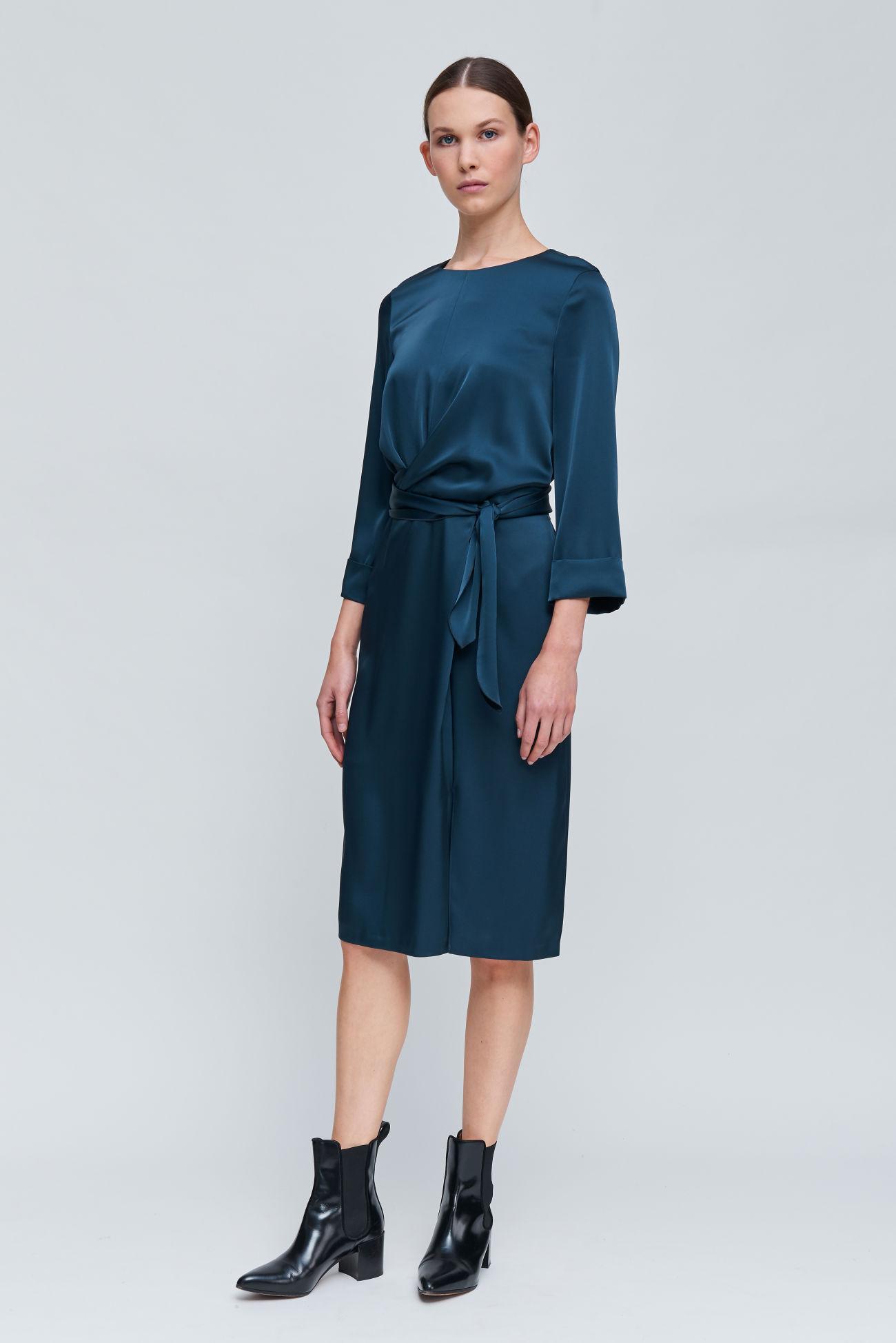 Feminine dress