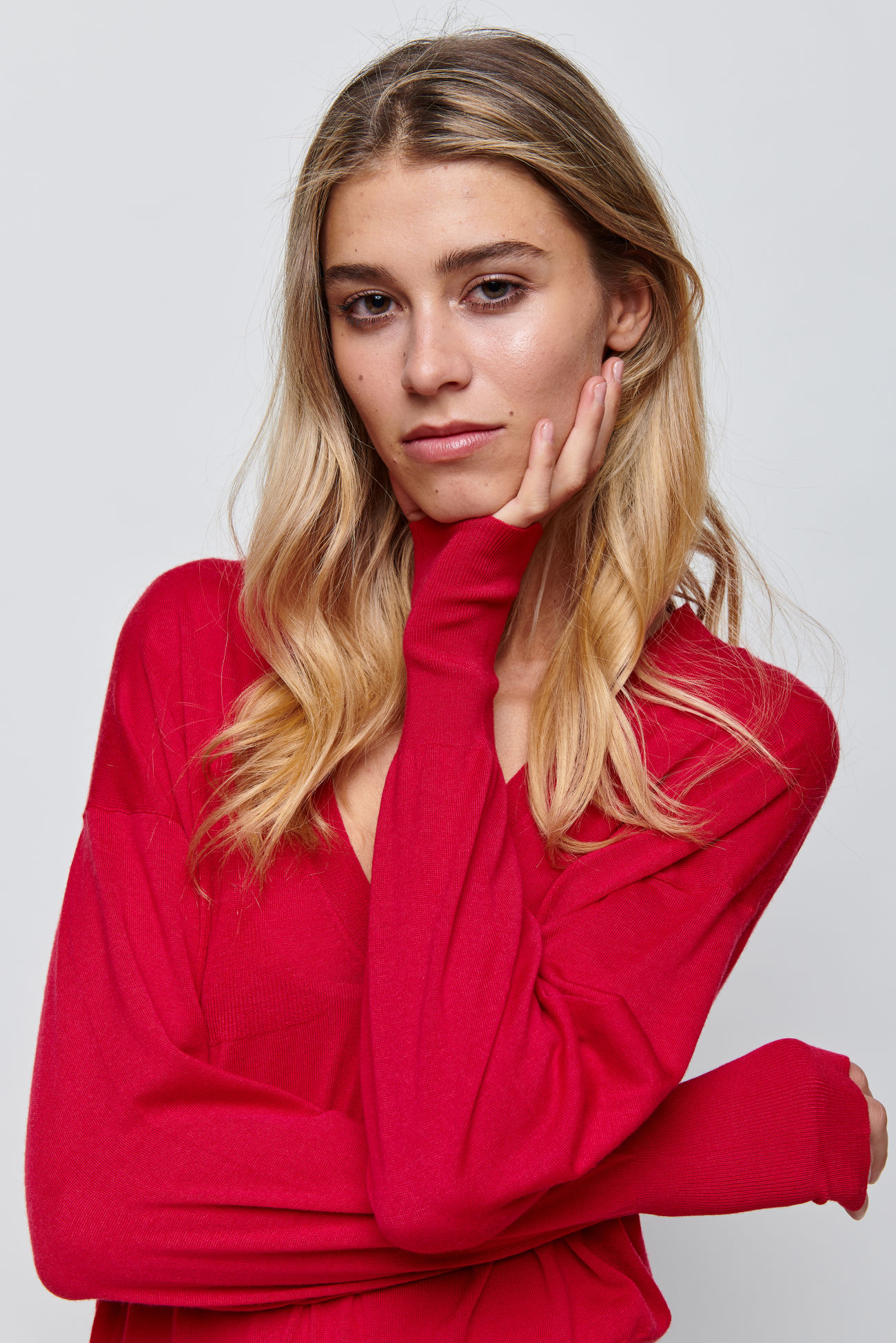 V-neck pullover with cashmere
