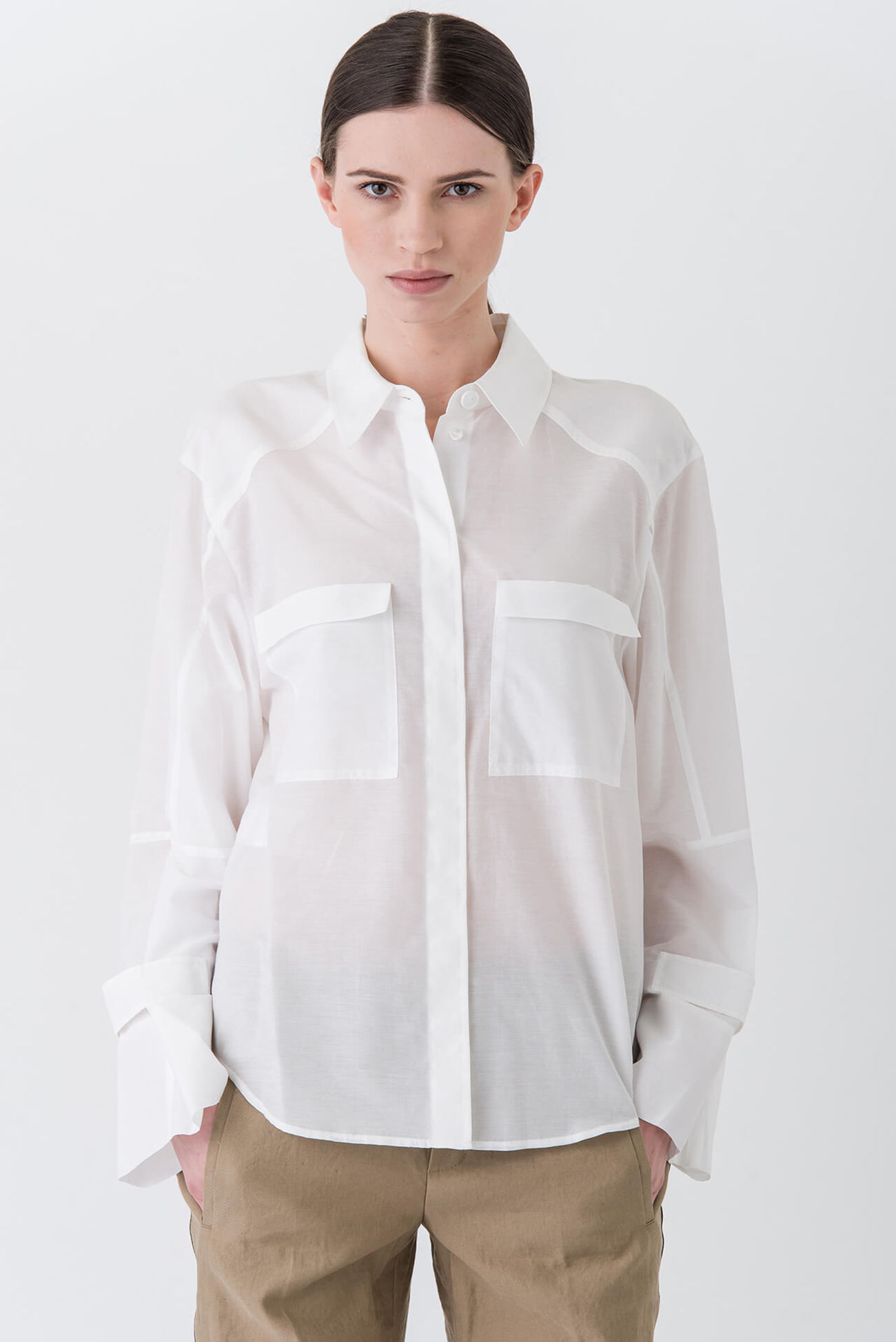 Coole Oversized-Bluse mit spannenden Details